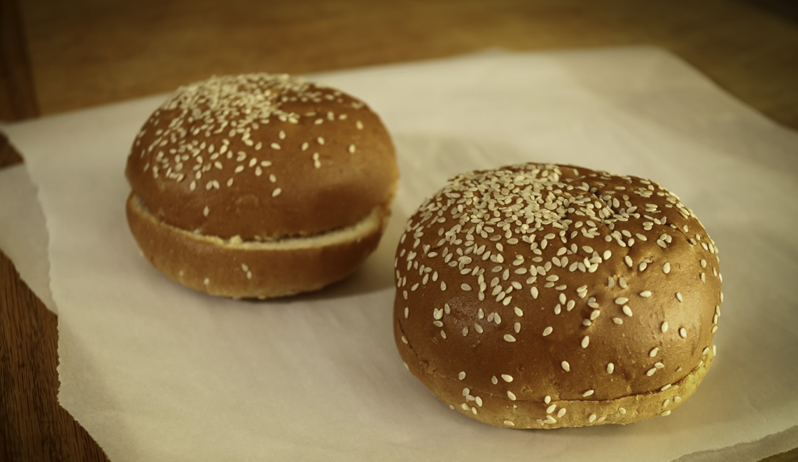 Egg Sesame Hamburger Bun Jumbo, Sliced